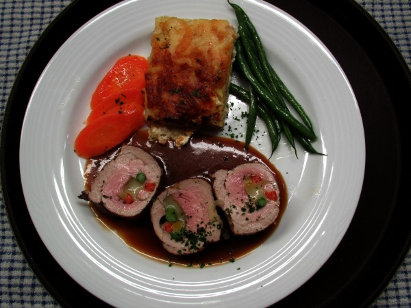 assiette de filet de porc cuisine gastronomique