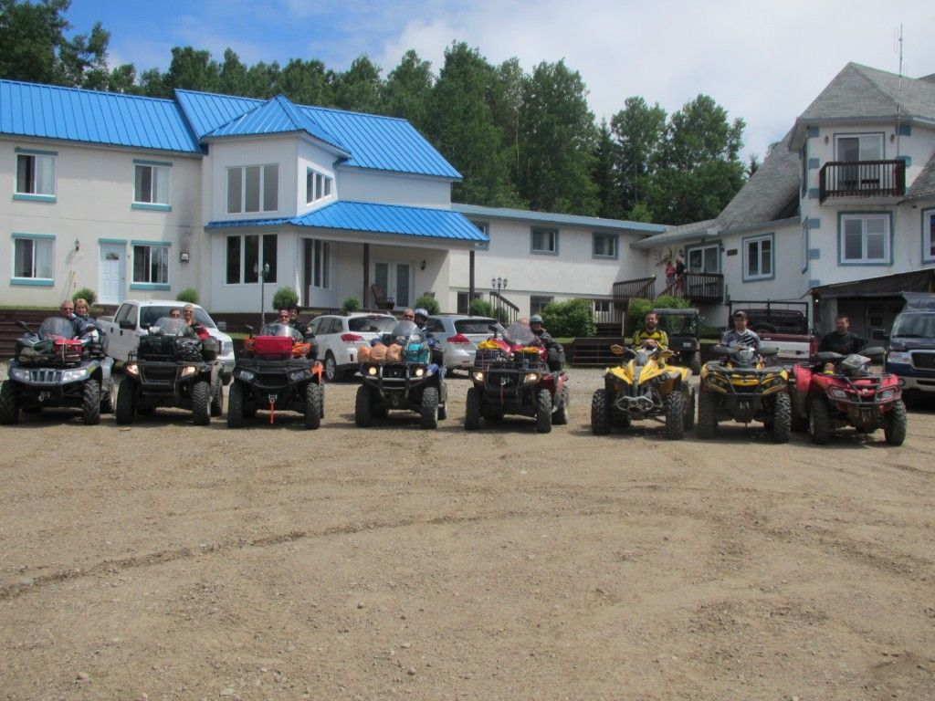 Quad-VTT Vehicule Tout Terrain Pourvoirie Fer A Cheval Laurentides Quebec