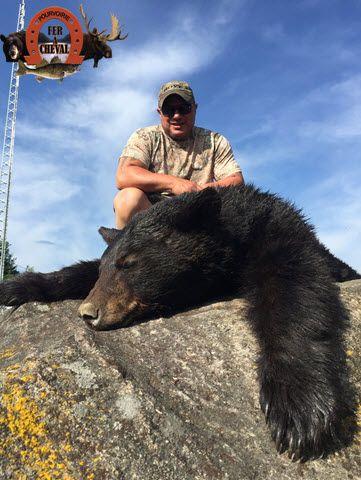 chasse ours noir a la pourvoirie fer a cheval