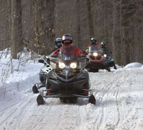 snowmobiling in the laurentians