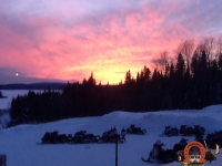 Magnifique coucher de soleil hivernal à la pourvoirie