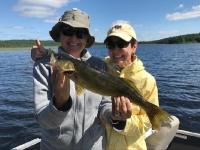 pêche au doré en ponton sur le lac Nasigon