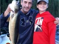 Pêche père-fils sur le lac Duchastel