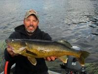 Pêche au doré sur la rivière Bazin,Laurentides