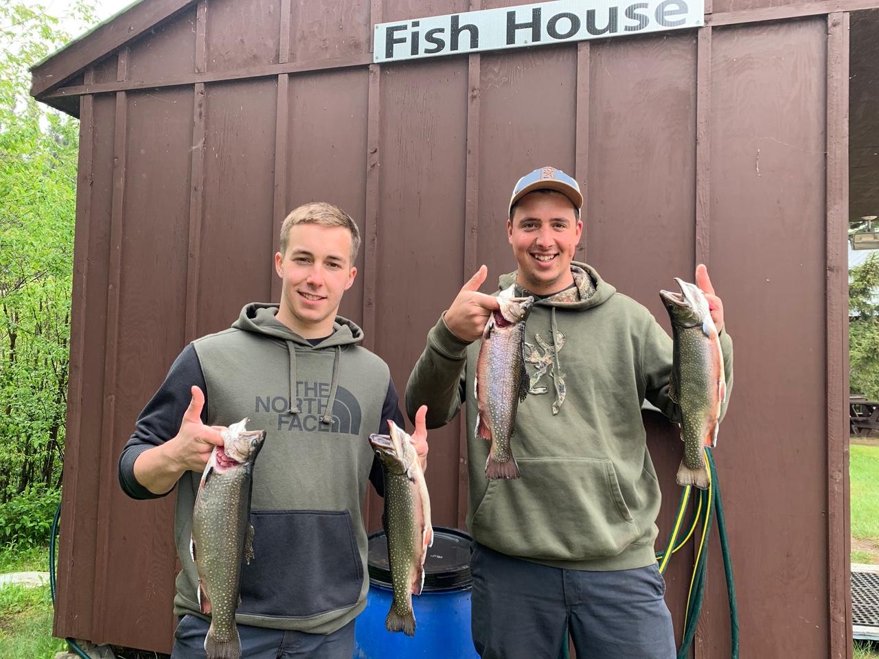 Pêche à la truite à la pourvoirie Fer à Cheval