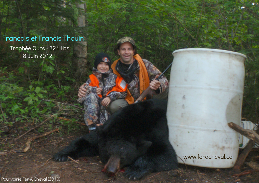 Black-bear-hunting-outfitter-fer-a-cheval-upper-laurentians