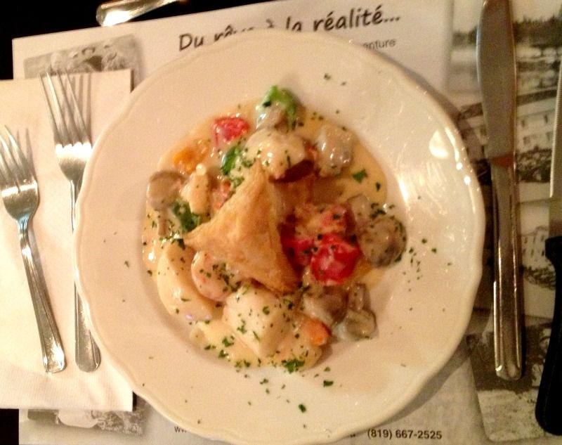 assiette-gastronomie-chef-benoit-auberge-pourvoirie-fer-a-cheval-hautes-laurentides