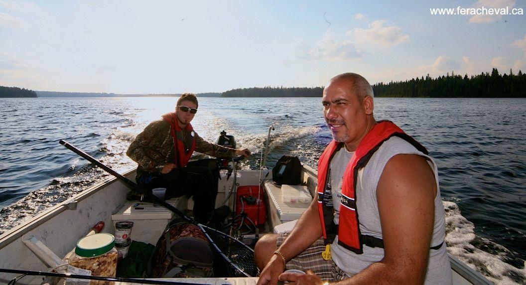 Voyage de pêche au paradis du pêcheur dans les Hautes-Laurentides, QC