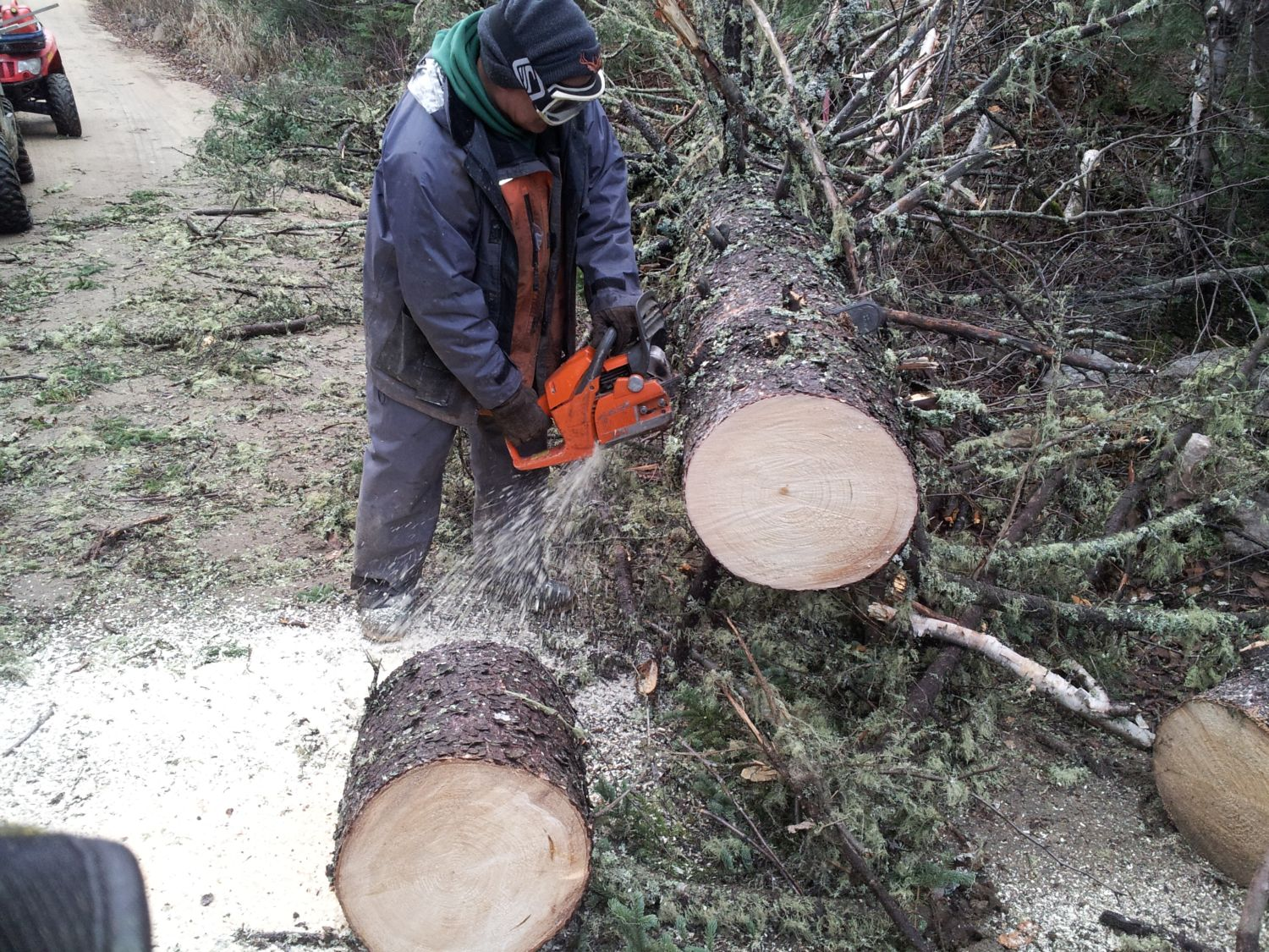 The Northern Alliance, in conjunction with the Outfitter Fer A Cheval are already busy at work to ensure quality snowmobiling trails!