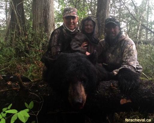 chasse-a-l-ours-noir-pourvoirie-fer-a-cheval-laurentides